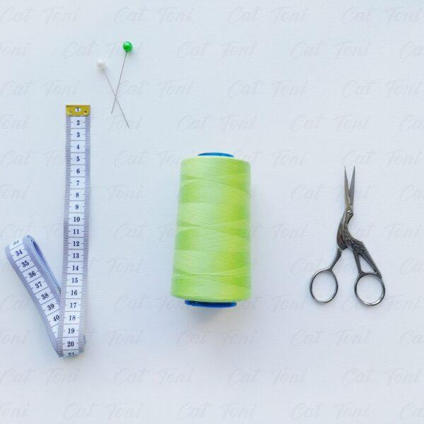 Купить швейные нитки Фисташковый цвет