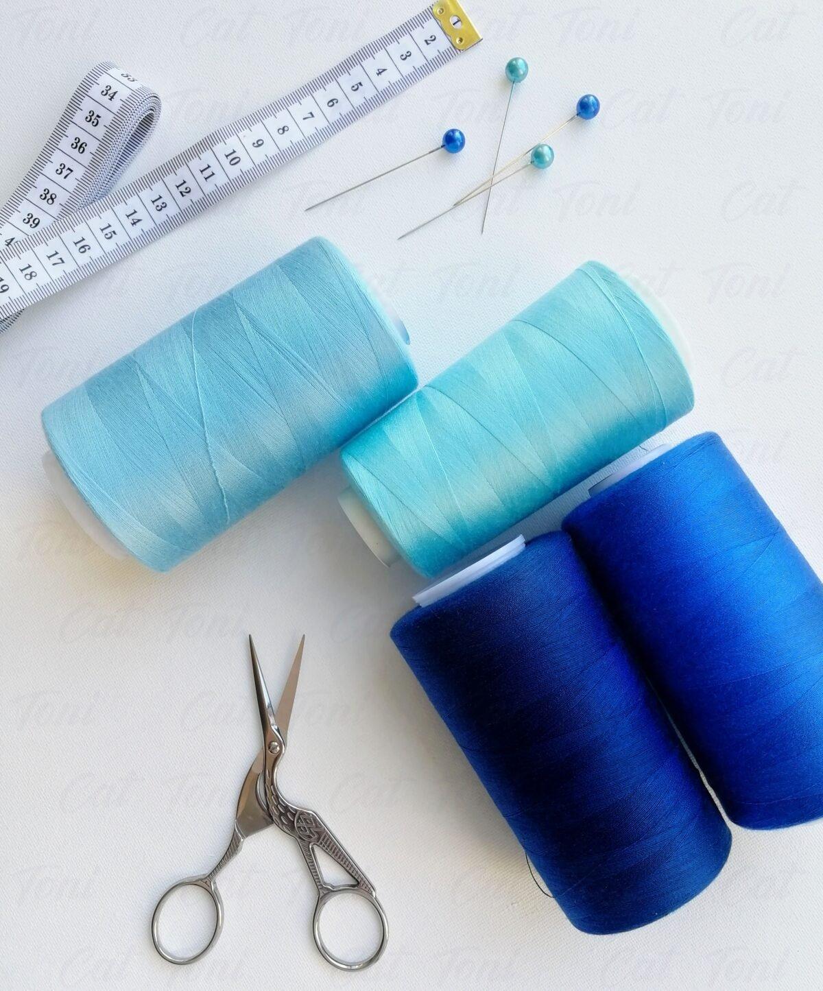 Красивые шверный нитки синих оттенков